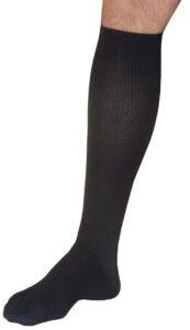 Il gambaletto è una tipologia di calza elastica ideale per l'uomo